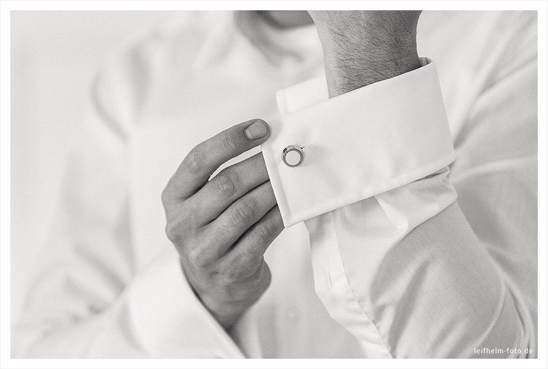 Ankleiden-Getting-Ready-Hochzeitsfotograf-Leifhelm-Foto-04