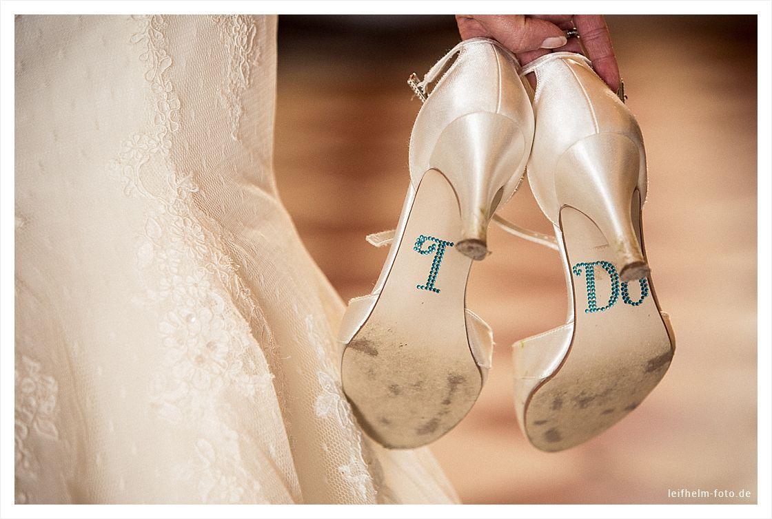 Ankleiden-Getting-Ready-Hochzeitsfotograf-Leifhelm-Foto-06