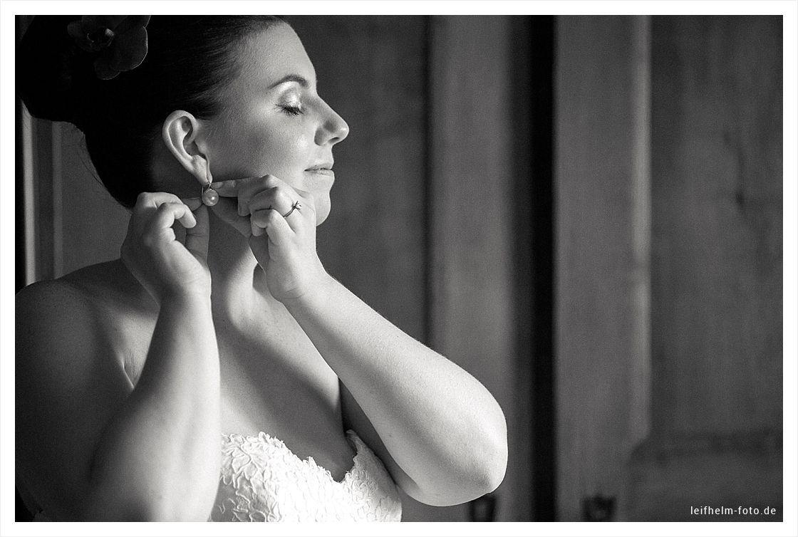 Ankleiden-Getting-Ready-Hochzeitsfotograf-Leifhelm-Foto-08