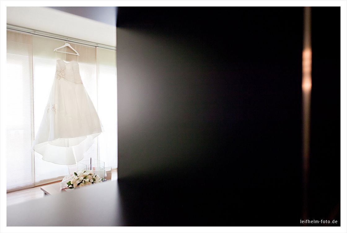 Ankleiden-Getting-Ready-Hochzeitsfotograf-Leifhelm-Foto-11