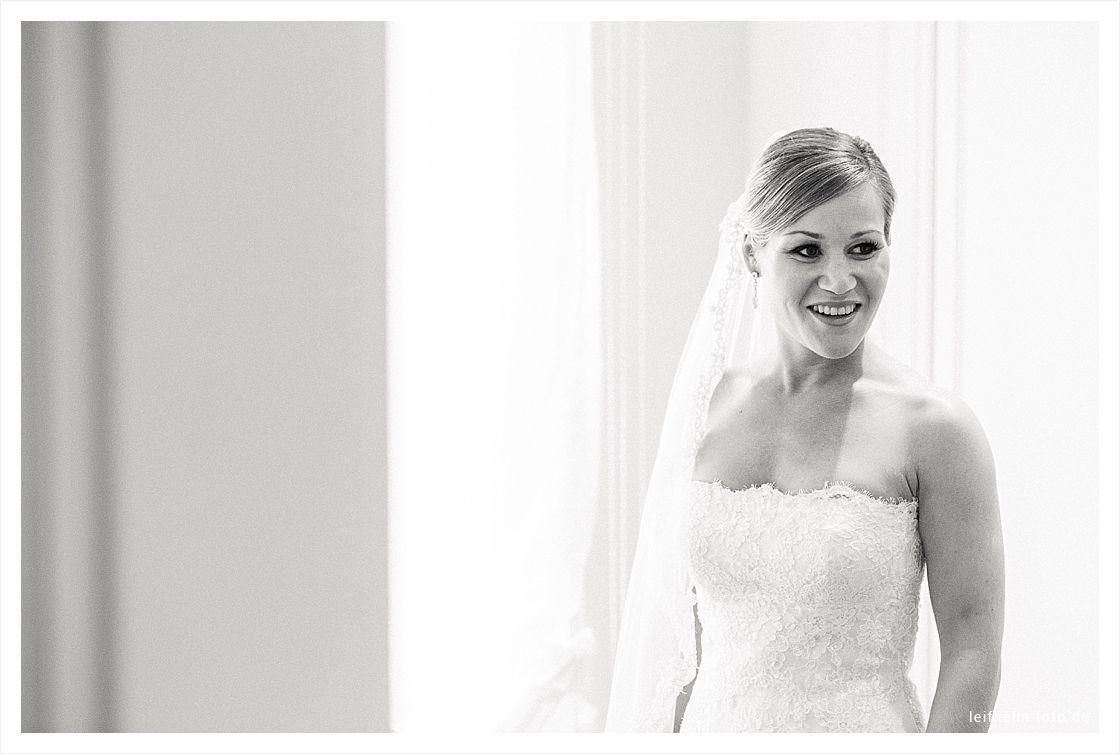 Ankleiden-Getting-Ready-Hochzeitsfotograf-Leifhelm-Foto-29