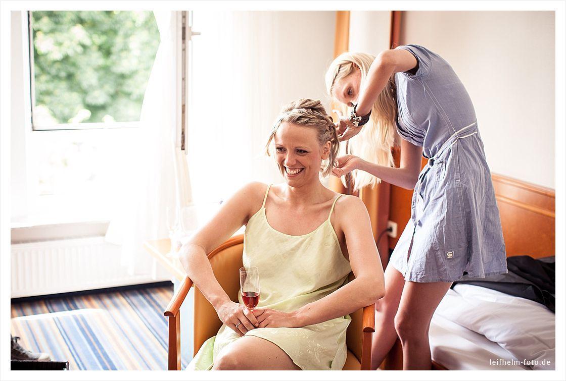 Ankleiden-Getting-Ready-Hochzeitsfotograf-Leifhelm-Foto-31