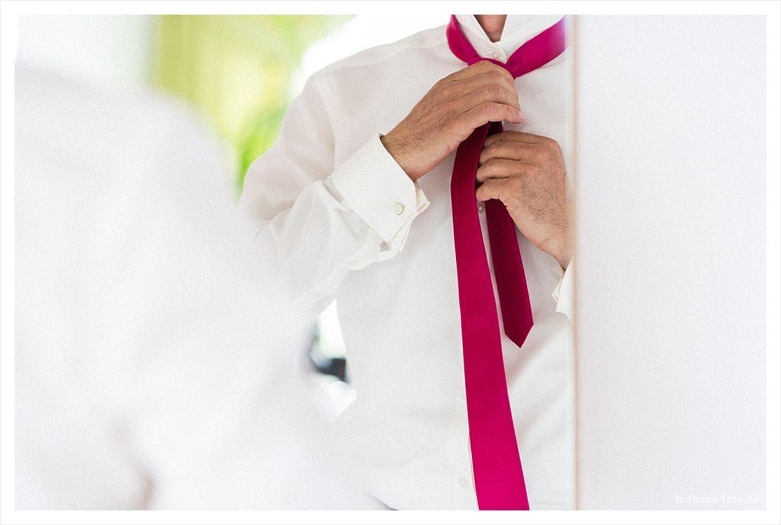 Ankleiden-Getting-Ready-Hochzeitsfotograf-Leifhelm-Foto-42